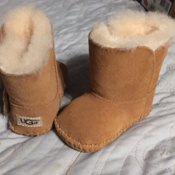 """c5d356945b7 NEW IN BOX. UGG Infant boots. """"Caden"""" style. Tan NWT"""
